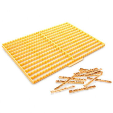 Tésztarácsozó-Sajtosrúd kiszúró 33 cm x 24 cm